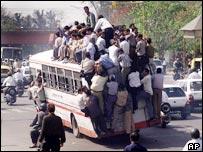 _39975290_indianbus203ap.jpg